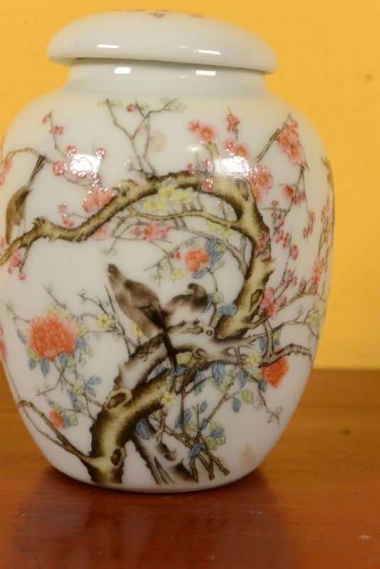 Small Porcelain Potiche - Colorful - Birds on the cherry tree 2