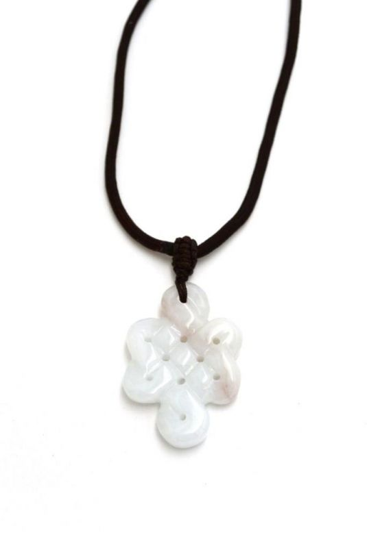 Necklace with Jade pendant - Endless knot - White