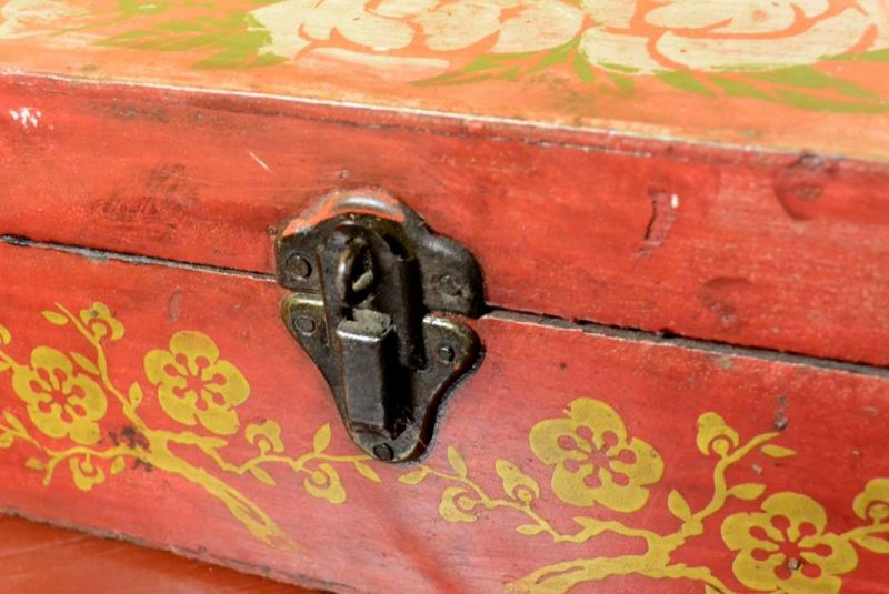Old Chinese Chest - Makeup box 2