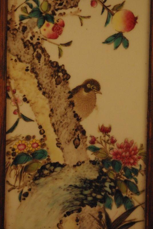 ancien panneau chinois en bois avec de la peinture sur porcelaine. Black Bedroom Furniture Sets. Home Design Ideas