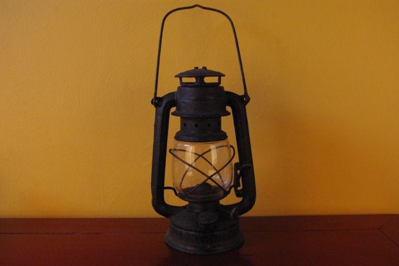 Ancienne Lampe De Mineur Chinois