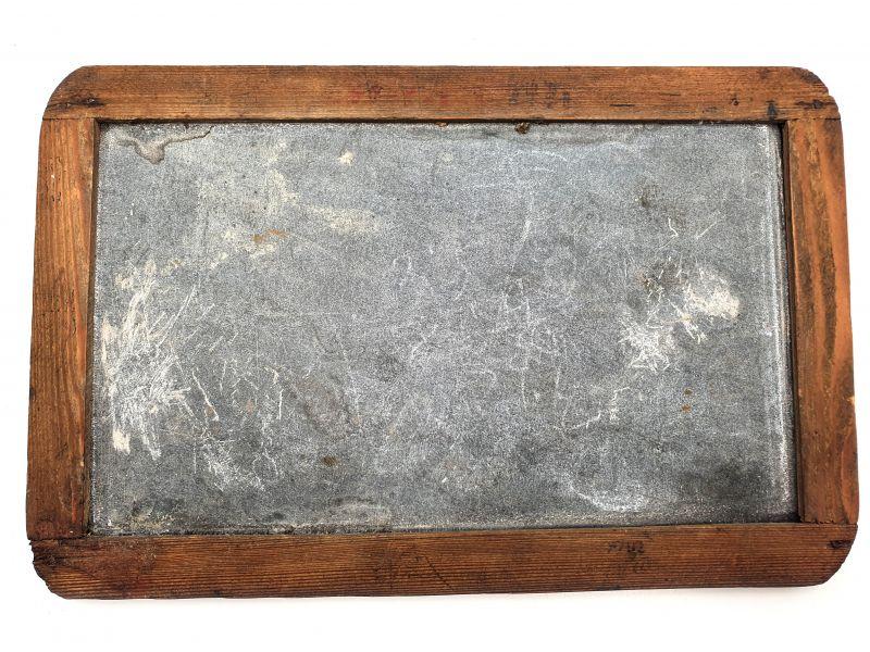 ancienne ardoise d 39 cole provenant de chine. Black Bedroom Furniture Sets. Home Design Ideas