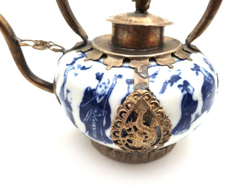 Chinese Porcelain Teapot White and Blue 2