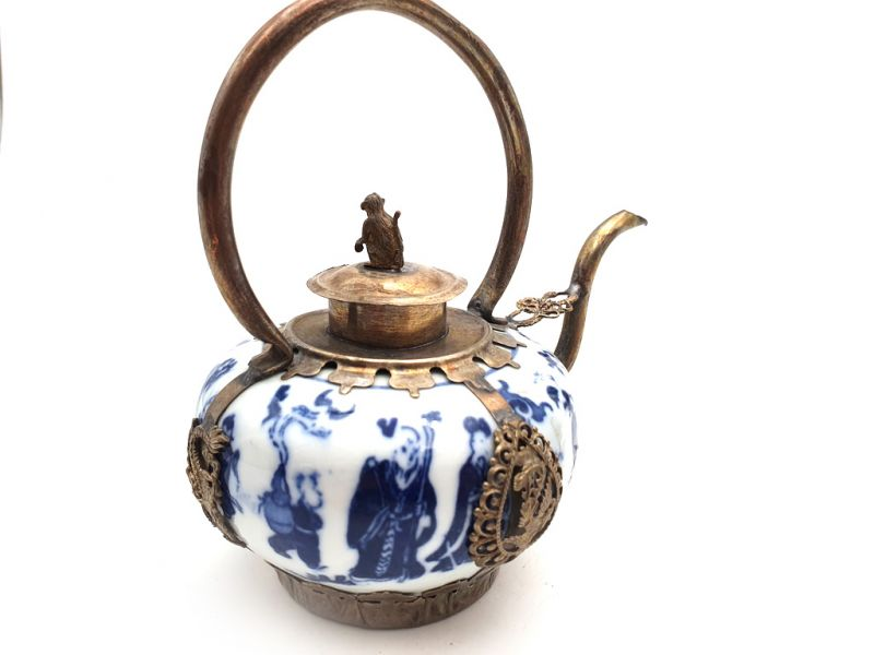 Chinese Porcelain Teapot White and Blue 3