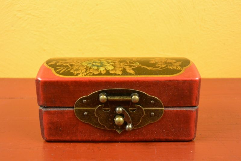 Very small Chinese Wooden Red and black Box 2