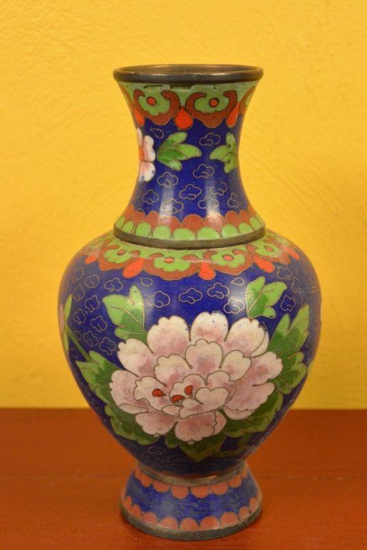 gro e chinesische vase in cloisonn blau blumen. Black Bedroom Furniture Sets. Home Design Ideas