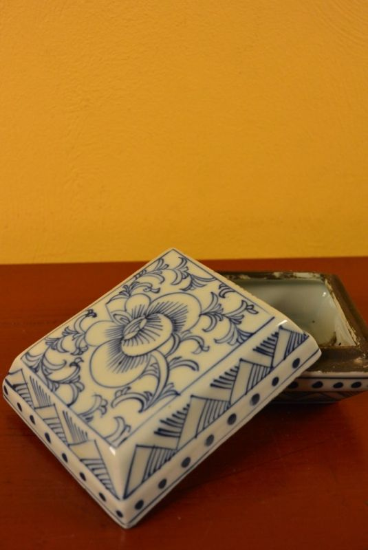 Chinese Porcelain Potiche box 3