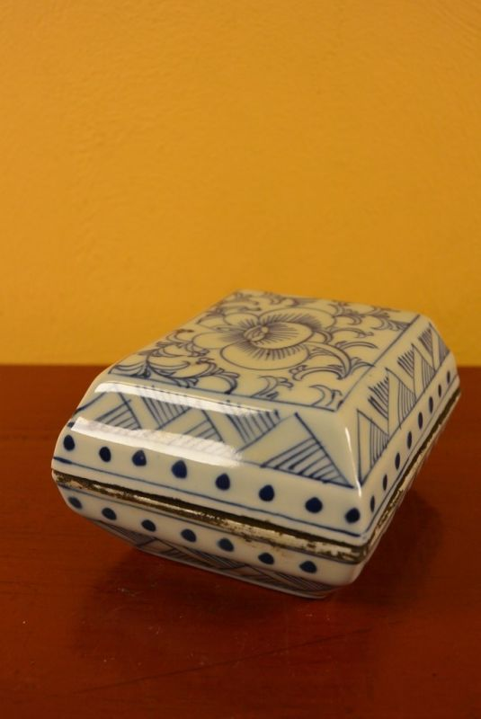 Chinese Porcelain Potiche box 5