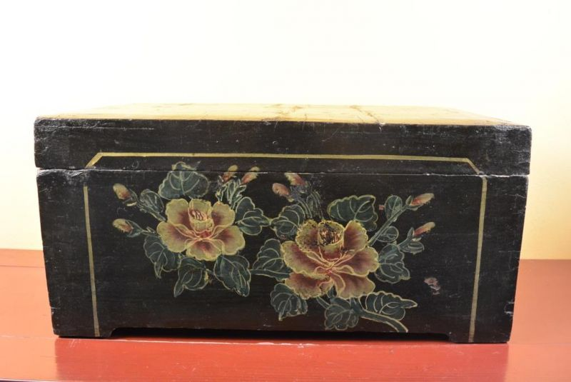 Mao era Old Chinese Chest - Flowers 2