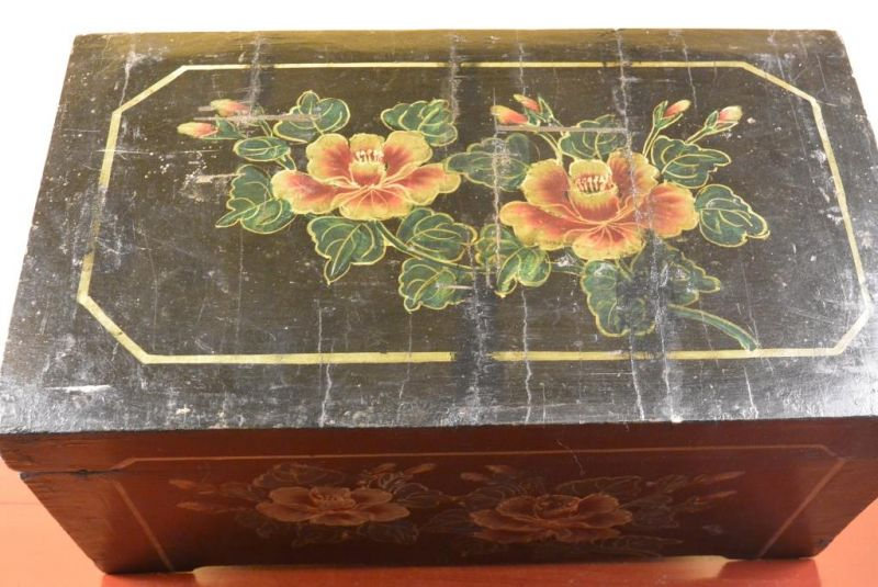 Mao era Old Chinese Chest - Flowers 3