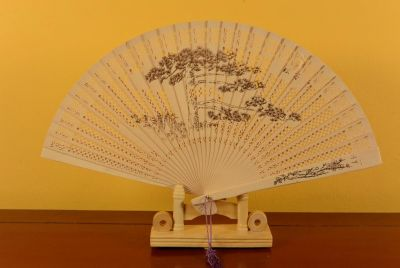 Chinese Sandalwood Hand fan - Nature