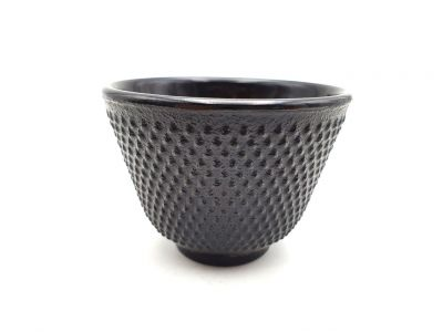 Small Chinese tea cup in cast iron - Black