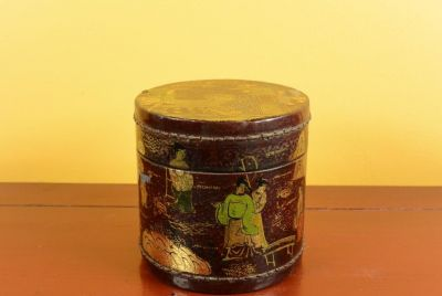 Small Chinese lacquer box - Red and gold