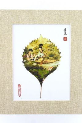 Chinese painting on tree leaf - Ladies on a boat