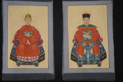 Small Chinese ancestors couple - Chinese Oil Painting - Orange