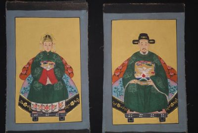 Small Chinese ancestors couple - Chinese Oil Painting - Green