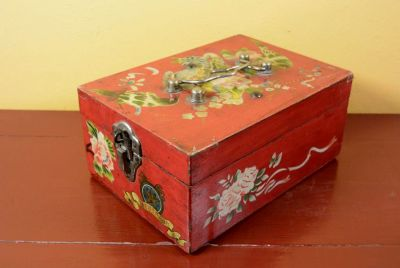 Old Chinese Box Flowers