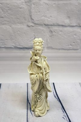 White Chinese Statue - Porcelain Dehua - The woman and the flower