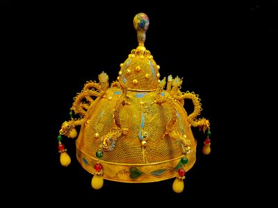 Ancient golden Chinese Theatre Hat - Emperor and Empress - The cap of the emperor's son