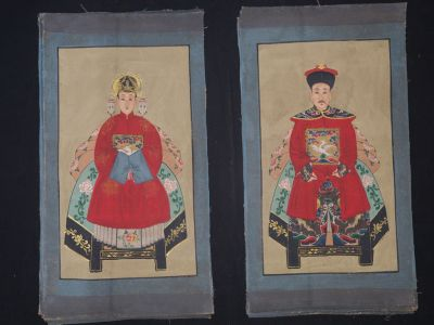 Small Chinese ancestors couple - Chinese Oil Painting - Red