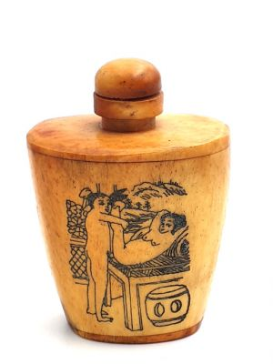 Erotica Snuff Box and Snuff Bottle Kamasutra 1