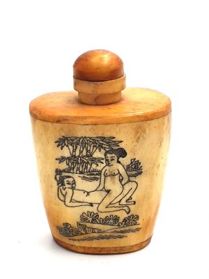 Erotica Snuff Box and Snuff Bottle Kamasutra 3