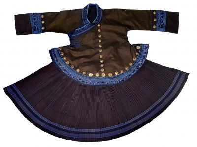 Ancient costume of the Miao ethnic minority - Authentic costume