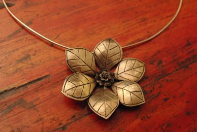 Small Necklace Large Flower