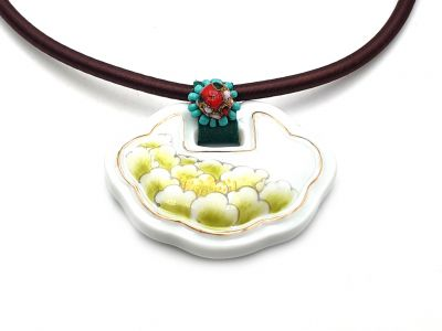 Ceramic Necklace Flower of Japan Green