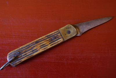 Old Chinese Knives Horn