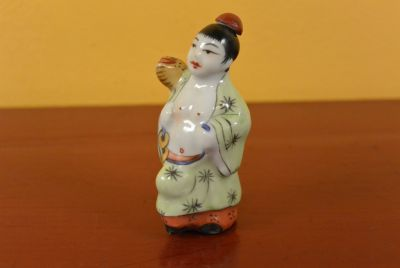 Small Chinese Erotica Snuff Box