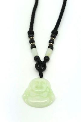 pendentifs de bouddha en jade avec colliers. Black Bedroom Furniture Sets. Home Design Ideas