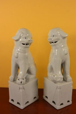 Fu Dog pair in porcelain White