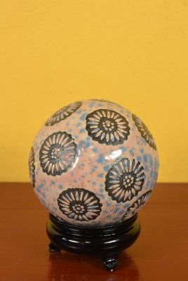 Porcelain Chinese Ball with Stand Pink