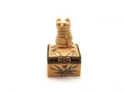 Small bone box Cat