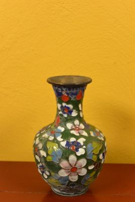 SmallVase in Cloisonné Green Flowers