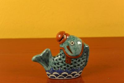 Animal Snuff Bottle in Porcelain Fish