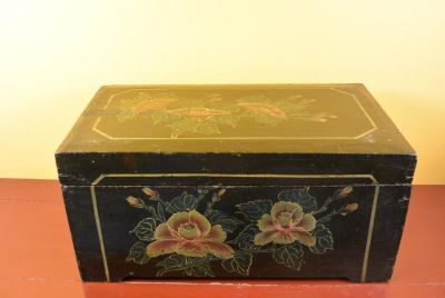 Old Chinese Chest Double flowers