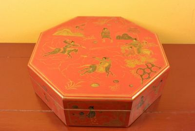 Chinese lacquer box - Red and gold 2