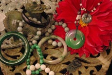 Chinese Jade jewelry, bracelet, necklaces, pendant many items from jade stone